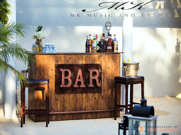 Event rentals in Miami - Rustic bar